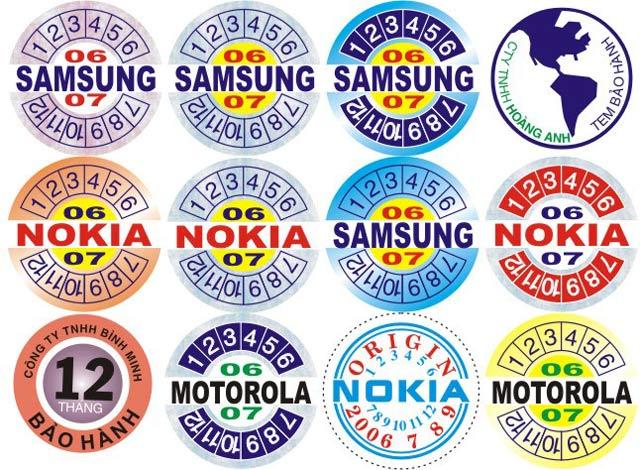 Lớp mặt dùng để in thông tin, mã số liên quan đến sản phẩm