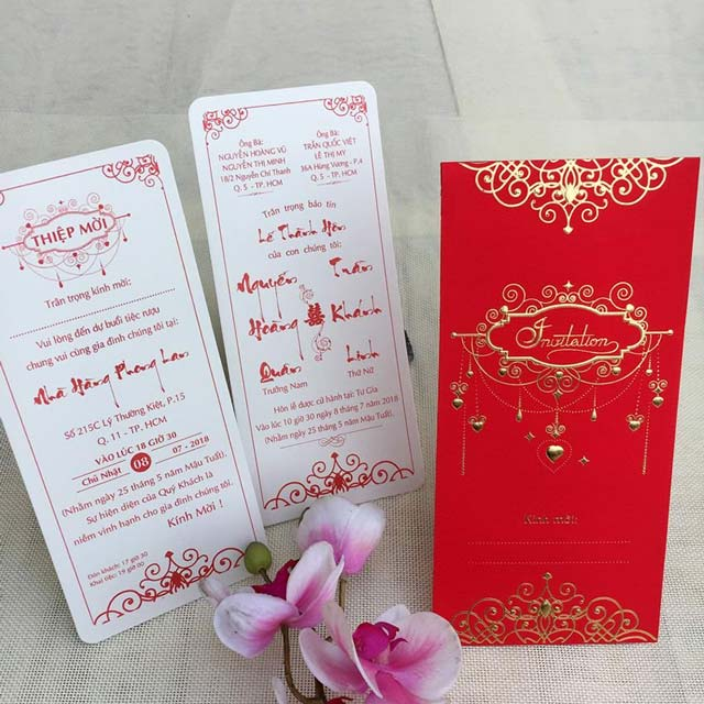 Mẫu thiệp cưới truyền thống thường in sẵn và có giá rẻ