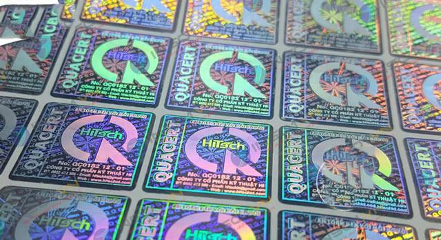 Công nghệ in tem 7 màu là sử dụng khắc laser
