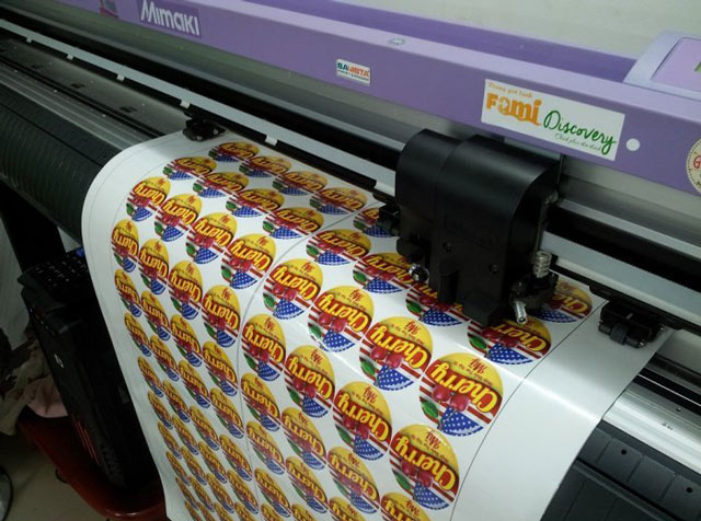 In sticker bằng công nghệ kỹ thuật số