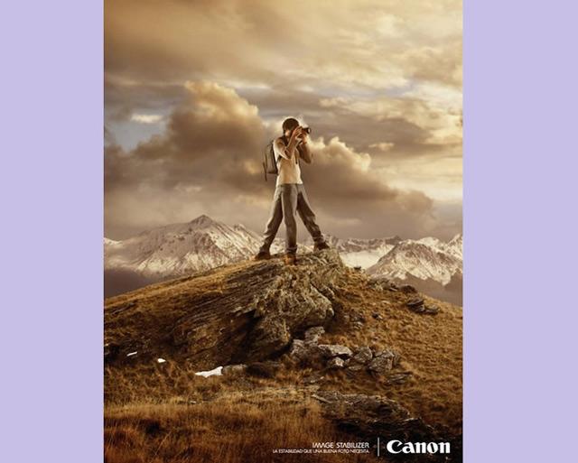 Poster quảng cáo máy ảnh Canon hài hước