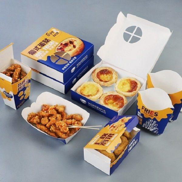 Hộp giấy đựng thức ăn rất tiện lợi khi sử dụng