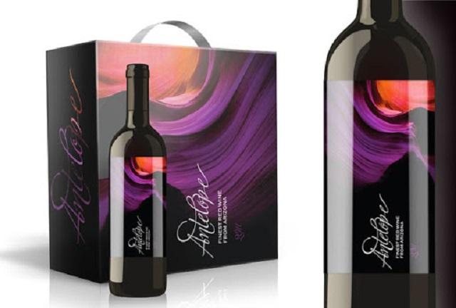 Màu sắc chủ đạo của hộp đựng rượu thông thường là màu đen